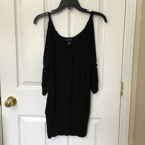 ⭐️ 2/$20 Sirens Black Cold Shoulder Tunic